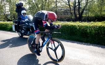 Dumoulin dio cátedra sobre la bicicleta aerodinamica © Handout RCS Sport