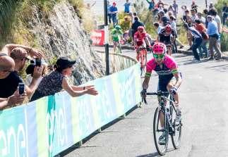 Ulissi atacó en el instante preciso y se fue en solitario por una gran victoria © Handout RCS Sport