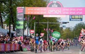 Primera de las varias victorias que podría sumar Kittel en el Giro © Handout RCS Sport