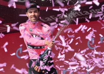 """""""Vengo para ganar las cronos"""", dijo Dumoulin después de terminada la cuarta etapa © Handout RCS Sport"""