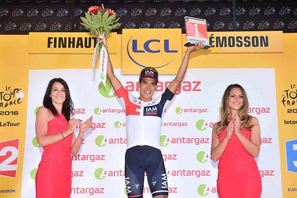 Jarlinson Pantano subió al podio por segunda vez en la carrera, para recibir el galardón al más combativo de la 17ª etapa © Handout A.S.O.