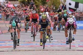 Giro d'Italia 2017 - 100a edizione - Tappa 7 - da Castrovillari a Alberobello (Valle d'Itria) - 224 km ( 139 miglia )